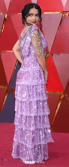 Oscars Salma Hayek wears custom Gucci to give a powerful speech for the and movement Salma Hayek Oscar, Salma Hayek Style, Cultural Events, Oscars, Purple Dress, Current Events, Movie Stars, Beautiful Dresses, Red Carpet