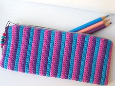 pontinhos meus: Porta lápis em croché - Crochet pencil case