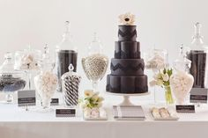 Black and white dessert table, chevron texture print
