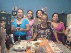 Izq. a der. Dora ,Santa, Tere , Doña Meche y Elsa.