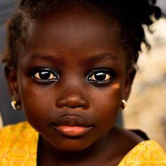 Beautiful Black Babies, Beautiful Children, Beautiful Eyes, Beautiful People, Cute Baby Girl, Baby Love, Cute Babies, We Are The World, Jolie Photo