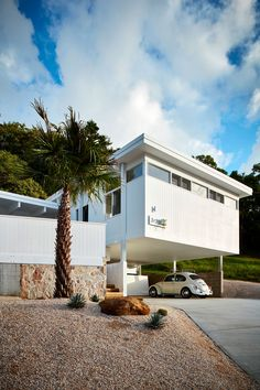 Home Building Design, House Design, Design Design, Spring Architecture, Grand Designs Australia, Modern Driveway, Mid Century Exterior, Victoria House, Minimalist Architecture