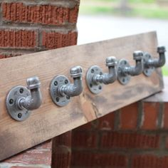 5 Hook Industrial Pipe Wall Storage Great for organization in any room! Use in an entry way for jackets, scarves, leashes, in the bathroom for towels & robes, or in the bedroom for jewelry! Specs: - L