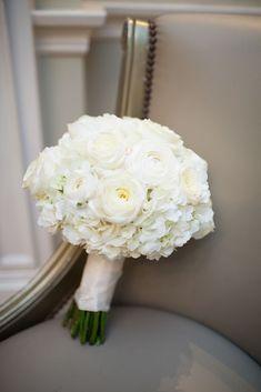 42 White Wedding Bouquets for Every Season – Blumenkranz Haare Rose Bridal Bouquet, White Wedding Bouquets, Bride Bouquets, Floral Wedding, Wedding Colors, Flower Bouquets, Purple Bouquets, Bridesmaid Bouquets, Wedding White