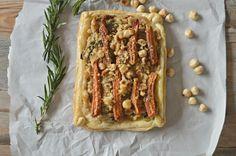Tarta de zanahorias glaseadas y queso a las finas hierbas