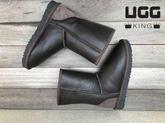 Classic Ugg Boots, Ugg Classic, Uggs, Ankle, Shoes, Fashion, Moda, Zapatos, Wall Plug