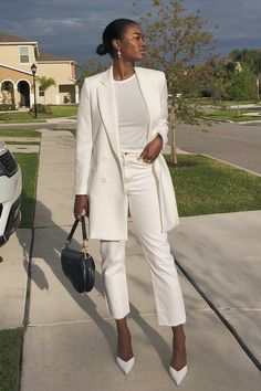 Marilyn - - all white - verão - street style Source by stealthelook white outfit White Outfits For Women, All White Outfit, Clothes For Women, White Blazer Women, White Pants Outfit, Blazer Outfits For Women, White Blazers, White Women, Suit Fashion