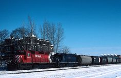 CP Rail Canadian Pacific SD40 5533 with GATX leaser on train - nice action view! --- London, Ontario - 1987