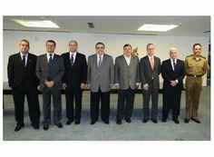http://www.passosmgonline.com/index.php/2014-01-22-23-07-47/politica/1070-arantes-se-reune-com-governador