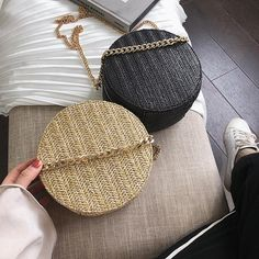 New Handgemachte Gewebte Tasche Runde Schmetterling Schnalle Rattan Stroh Tasch Womens Handbags. offers on top store Rattan, Vegan Handbags, Color Khaki, Day Bag, Metal Chain, Straw Bag, Hand Weaving, Just For You, Shoulder Bag