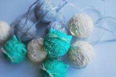 Kocie Cottonballsy z Kota w worku, wykonanie Szuruburu Design.   #cats #handmade #catsdecoration #cottonballs
