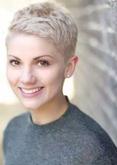 I'm so glad there are so many cute choices for short thin hair. Cute pixie