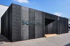 Sonos, Exhibition Booth Design, Building Facade, Facade House, Amazing Architecture, Cladding, Habitats, Interior And Exterior, Showroom
