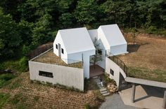 Completed in 2016 in Cheongdo-gun, South Korea. Images by Yoon, Joonhwan. The clients who had a great deal of fatigue in working and in the urban environment asked to us design a house surrounded by nature. They had a...
