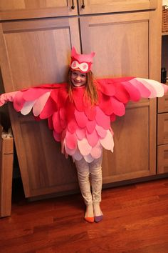"""I'm not usually the overachieving mom but this Owl Costume for a school program definitely earned me a few """"try hard"""" comments.I'm usually the one scrambling around right before the event trying to scrap together a costume. This time I [...]"""