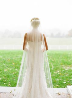 Long veil: http://www.stylemepretty.com/virginia-weddings/charlottesville/2014/10/10/rustic-elegant-charlottesville-barn-wedding-at-verulam-farm/ | Photography: Meg Runion - http://www.megrunionstudios.com/