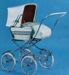 SVENSKTILLVERKADE BARNVAGNAR FRÅN 1960-TALET I katalogen för 1969 hittar vi denna sak. Tjusig dekor av en blombård.  Den verkar lite hög och det verkar som känslan av att korgen ska ramla av lätt kan infinna sig!  Klädd i marimette, plastväv eller textil. Celluloidhandtag. Pram Stroller, Baby Strollers, Vintage Pram, Prams And Pushchairs, Dolls Prams, Baby Prams, Baby Carriage, No Equipment Workout, Kids And Parenting