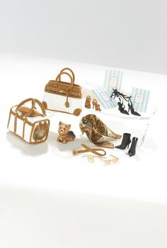 New York Yorkie™ Barbie® Accessory Pack 2005 Prod Code G8076 Designed by Robert Best