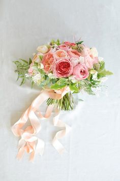 Coral & Peach Bridal Bouquet | By Gavita Flora #garden #rose #ranunculus #wedding #flowers