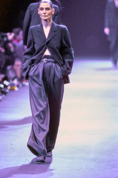 Comme des Garçons Fall 1992 Ready-to-Wear Fashion Show - Benedetta Barzini