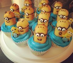 Minion Twinkie cupcakes with sprinkle hair! #Minions #KidBirthdays