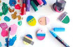 Easter eggs decoration and homemade clay Diy And Crafts, Arts And Crafts, Homemade Clay, St Paddys Day, Paperclay, Posca, Polymer Clay Creations, Air Dry Clay, Egg Decorating