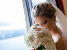 Reportage di nozze di Kira & Tomas di Riccardo Bestetti Simple Weddings, Wedding Simple, Wedding Bouquets, Crown, Bride, Fashion, Simple Wedding Updo, Wedding Bride, Moda