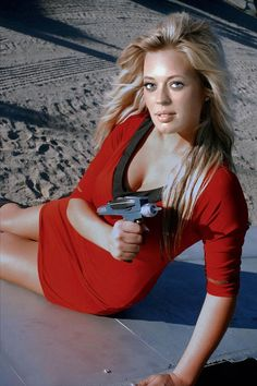 Jeri Ryan 7 of 9 Star Trek red by gazomg on DeviantArt Star Trek Enterprise, Star Trek Voyager, Star Trek Starships, Jeri Ryan, Star Trek Cosplay, Star Trek Original, Blond, Star Trek Crew, Deanna Troi