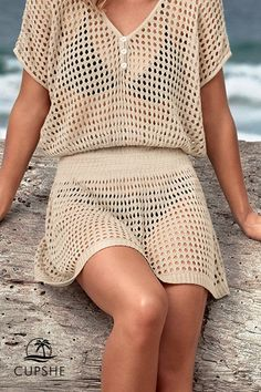 This Ivory Crochet Cover Up is easy to take anywhere with you! Wear over your favorite swimsuit and call it a perfect beach day! Detailed with buttons at front. Source by CUPSHE cover ups Beachwear Bikini Floral, Bikini Bandeau, Bikini Tops, Bikini Beach, Bikini Cover Up, Swimsuit Cover, Crochet Cover Up, Crochet Top, One Shoulder Bikini