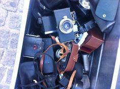 FRA DIGITAL TIL ANALOG: Analoge spejlreflekskameraer er hipt igen mens instagram har resulteret i øget salg af polaroidkamerare.