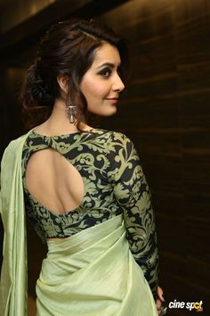 Raashi Khanna at Touch Chesi Chudu Pre Release Event (22)