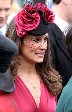 Pippa Middleton in 'Millennium' by Gina Foster Millinery Pippa Middleton Dress, Middleton Family, Silly Hats, Fancy Hats, Pink Fascinator, Headpiece, Headdress, Kate And Pippa, Love Hat