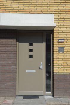 Voordeur, Pieter Vreedestraat Waalwijk