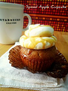 SPICED APPLE CUPCAKE - looks delicious!!