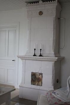 Old Swedish tiled stove (kakelugn) Söta Prickar