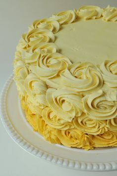 Farmgirl Gourmet: Delicious Recipes for the Home Cook.: Karen's Birthday Cake Do-Over Just Cakes, Cakes And More, Cake Cookies, Cupcake Cakes, Pretty Cupcakes, Yellow Cupcakes, Rosette Cake, New Cake, Fancy Cakes