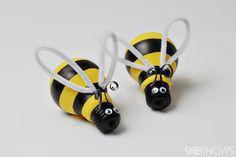 Spring crafts for kids - lightbulb bumblebees