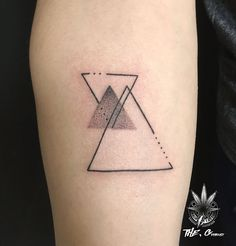 triangle tattoo. / instagram -  the.g_tattoocrack