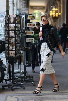 Eye-catching prints transformed this ladylike pencil skirt.