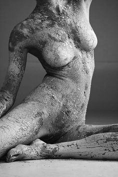 'Torso' Copyright Stephan Brauchli Photography… Looks like live model covered with clay or ash, Cool. Art And Illustration, Human Art, Nude Photography, Art Plastique, Oeuvre D'art, Erotic Art, Art Forms, Body Art, Lion Sculpture