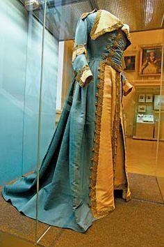 Мундирное платье Екатерины II по форме Кавалергардского корпуса. Uniformkleid Kathariena II
