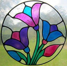 Ruby loves nature and like to incopratate it in her decorating of her suite. Stained Glass Suncatchers, Stained Glass Crafts, Faux Stained Glass, Stained Glass Designs, Stained Glass Panels, Stained Glass Patterns, Pottery Painting Designs, Glass Painting Designs, Stained Glass Flowers