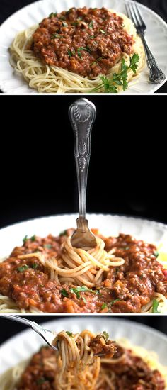 Quick & Easy Spaghetti Bolognese 2 tablespoons olive oil 1 large onion, chopped fine 1 lb/500g ground beef One 28oz can crushed or pureed tomatoes 3 cloves garlic, chopped 1 teaspoon dried oregano 1 good sized handful fresh parsley, chopped Salt and pepper, to taste ½ lb/250g spaghetti grated Pecorino Romano or Parmesan cheese for serving (optional)