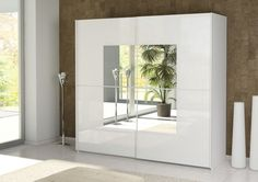 Innovative wardrobe design with sliding doors and mirror