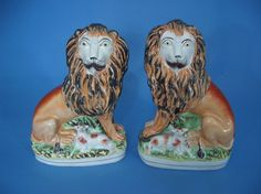 Staffordshire lion and lambs Vintage Pottery, Pottery Art, Lion And Lamb, Staffordshire Dog, English Pottery, Ceramic Animals, Cat Doll, Country Art, Lambs
