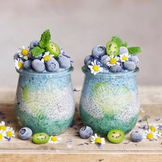 Pretty blue-green smoothies from @alphafoodie