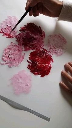 Here's a quick step by step flower painting video. I'm preparing some large floral abstract paintings with loose movements for a custom design for a client. Here's how you can paint simple, loose flowers in a very easy way. #easyflowerpainting #redflowers #largeabstractflowerpainting #acrylicpaintingflowers #redwedding Acrylic Painting Flowers, Acrylic Art, Diy Painting, Simple Flower Painting, Paint Flowers, Canvas Painting Tutorials, Simple Acrylic Paintings, Watercolor Paintings, Abstract Paintings
