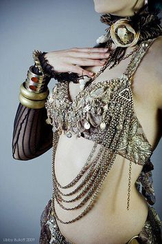 I know it's an illusion via colour, but that tribal bra looks like it's entirely made of metal- just what I want to make!