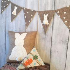 Burlap bunny pillow Easter pillow burlap by thelittlegreenbean - Easter Photos Easter Projects, Easter Crafts, Easter Decor, Hoppy Easter, Easter Eggs, Spring Crafts, Holiday Crafts, Easter Pillows, Easter Banner