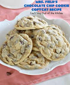 Field's Chocolate Chip Cookie Copycat Recipe – Can't Stay Out of the Kitchen Mrs Fields Cookies, Mrs Fields Chocolate Chip Cookies, Best Chocolate Chip Cookie, Semi Sweet Chocolate Chips, Holiday Desserts, Holiday Baking, Blueberry Cobbler Recipes, Delicious Desserts, Dessert Recipes